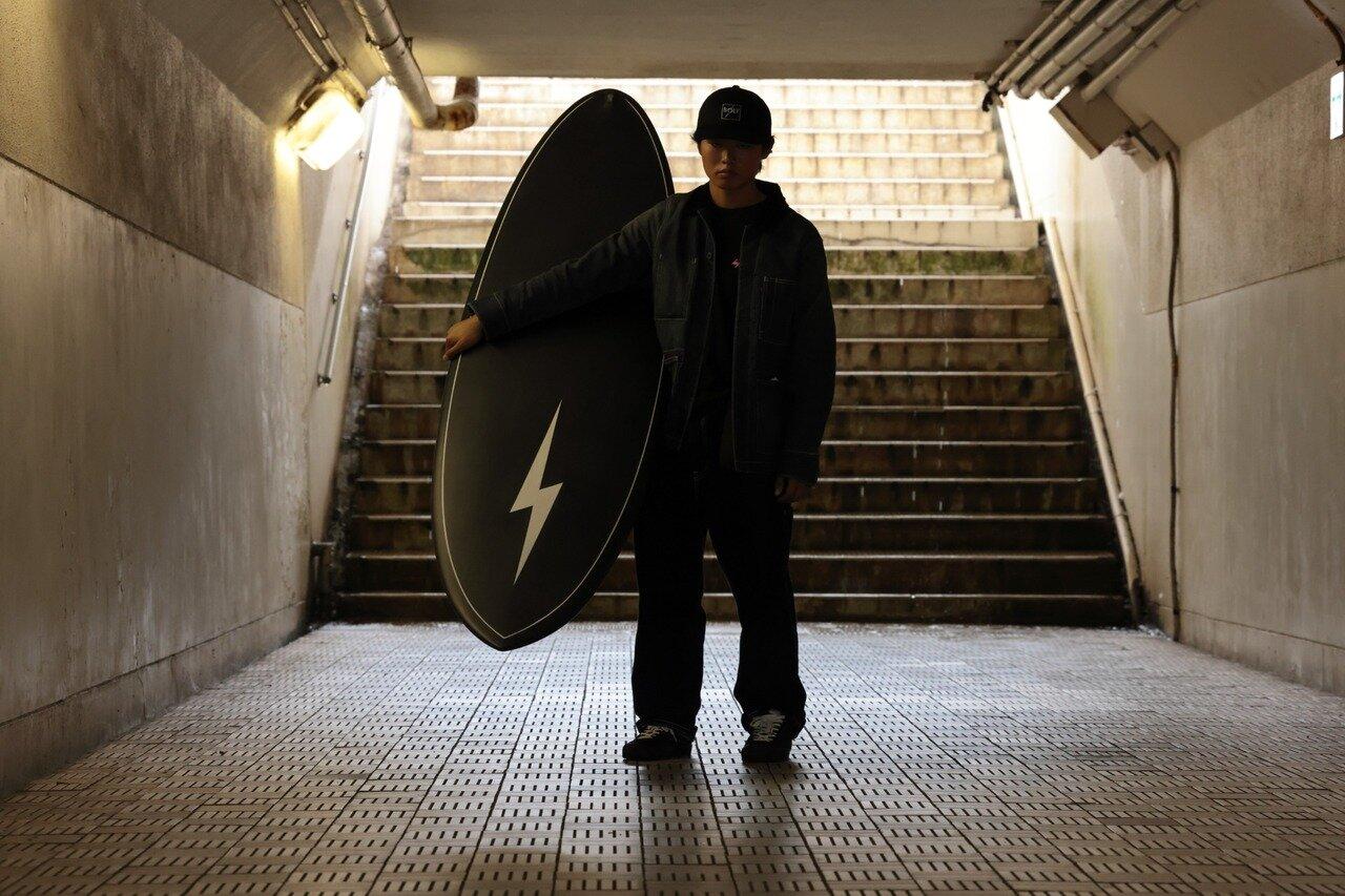 ライトニングボルト×Muuseo Factoryのサーフボード【orca】